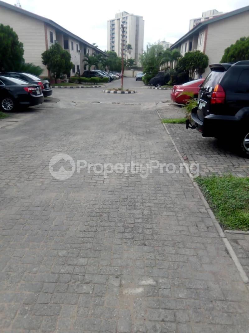 3 bedroom Terraced Duplex House for sale Royal Estate Phase 1 Bode Thomas Surulere Lagos - 1