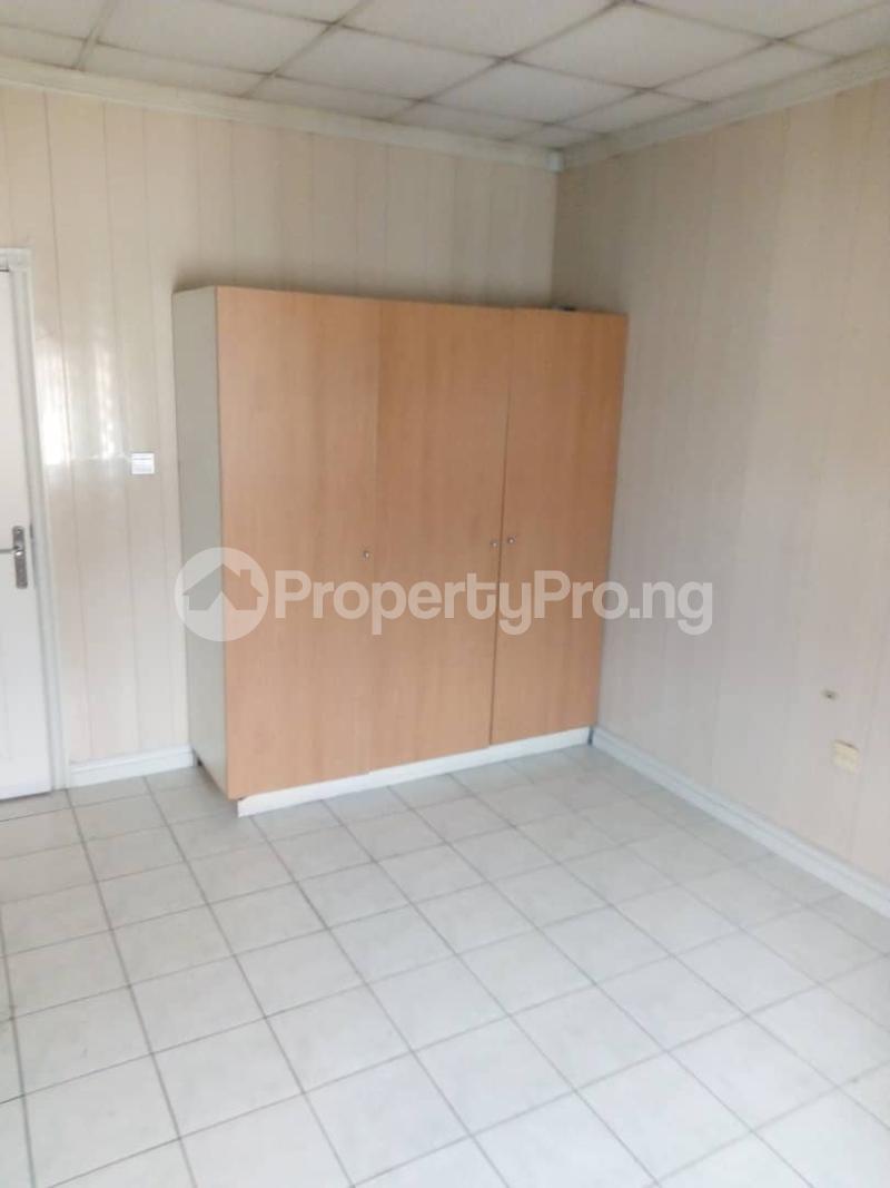 3 bedroom Terraced Duplex House for sale Royal Estate Phase 1 Bode Thomas Surulere Lagos - 10