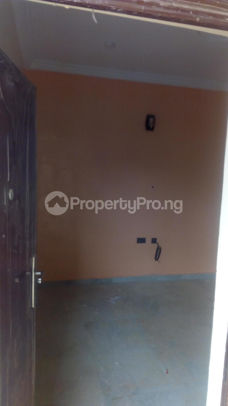 3 bedroom Shared Apartment Flat / Apartment for rent Okpanam. Road Asaba Delta - 4