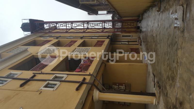 3 bedroom Flat / Apartment for rent shodipe close Western Avenue Surulere Lagos - 0