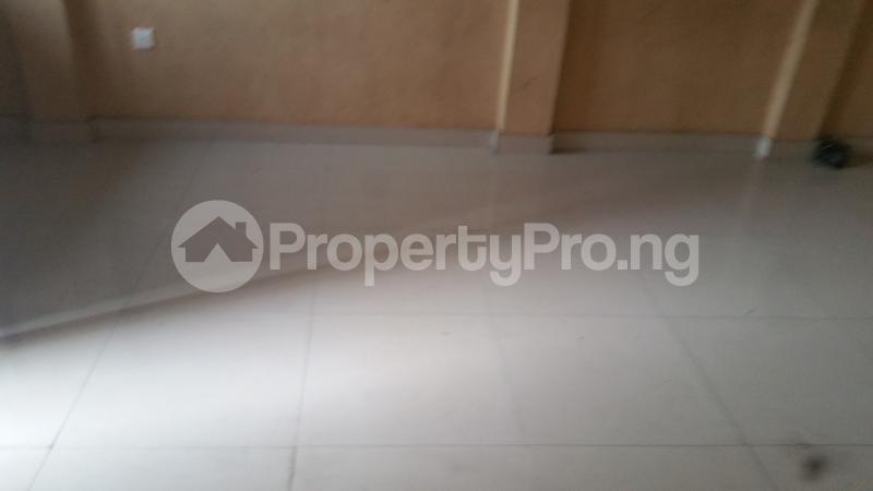 3 bedroom Flat / Apartment for rent shodipe close Western Avenue Surulere Lagos - 1