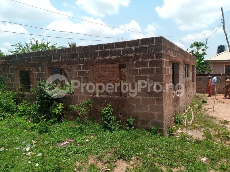 2 bedroom Blocks of Flats House for sale Idi Oro area ,Sola Ibadan Soka Ibadan Oyo - 0