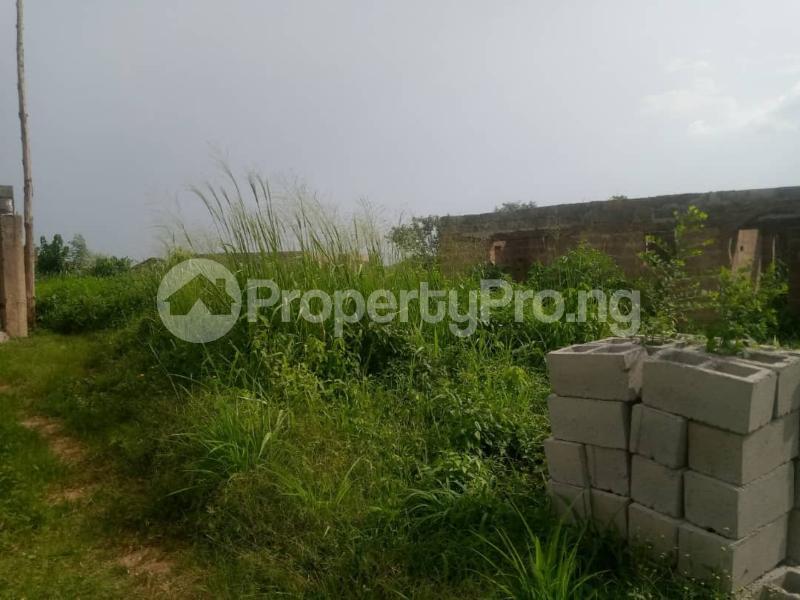 4 bedroom Detached Bungalow House for sale  Idigbaro area, ologuneru Ibadan.  Ibadan Oyo - 1