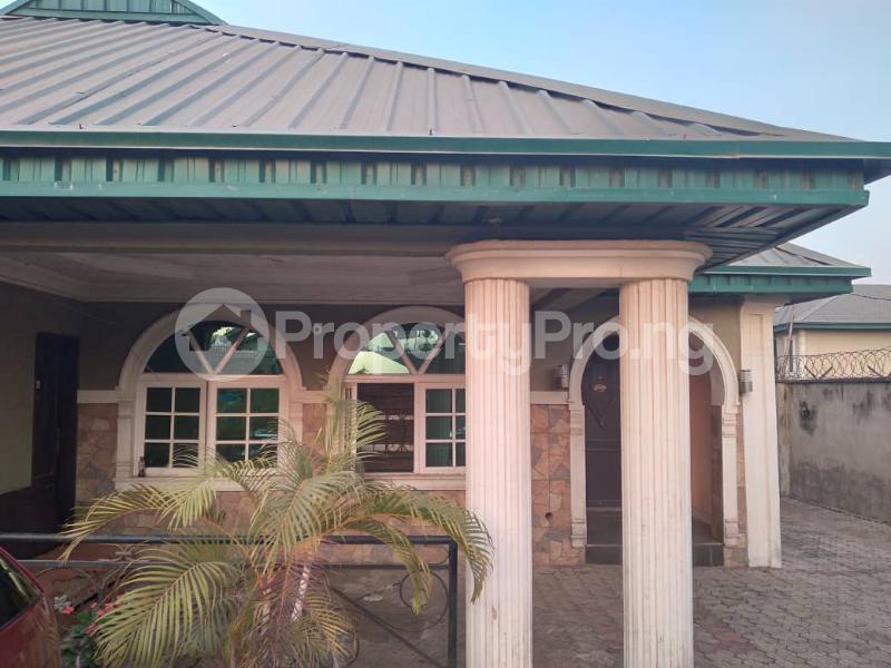 4 bedroom Detached Bungalow House for sale along express akala way tipper garage.  Akala Express Ibadan Oyo - 10