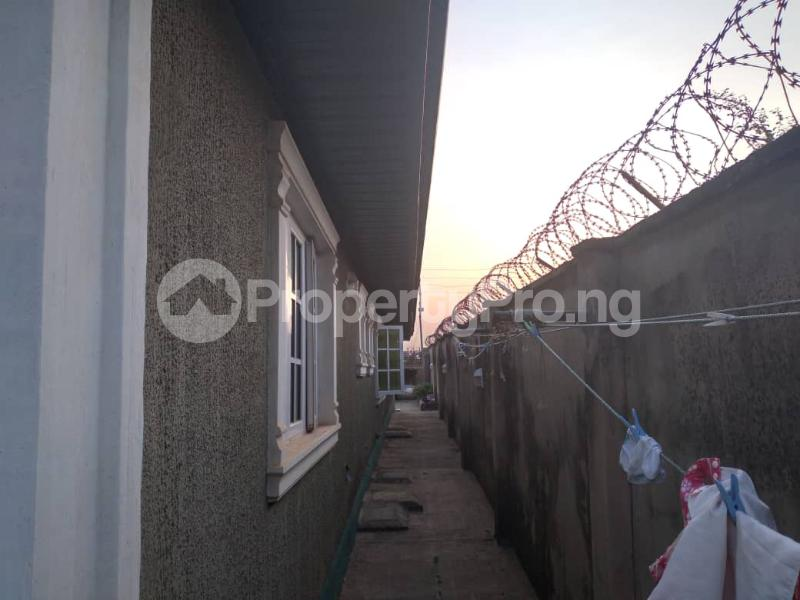 4 bedroom Detached Bungalow House for sale along express akala way tipper garage.  Akala Express Ibadan Oyo - 0