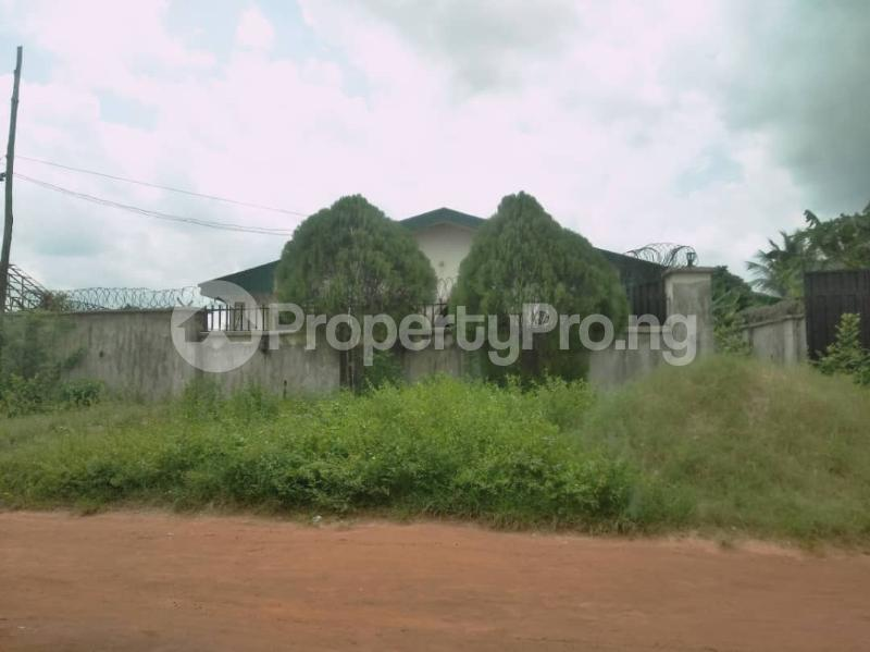 4 bedroom Detached Bungalow House for sale St. Saviour off Upper Sakpoba, just 4 pole away from the major road  Oredo Edo - 9