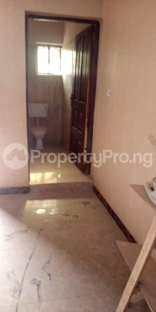 6 bedroom Flat / Apartment for sale  Olodo beside International Dynamic Centre / Hollicks school Egbeda Oyo - 5