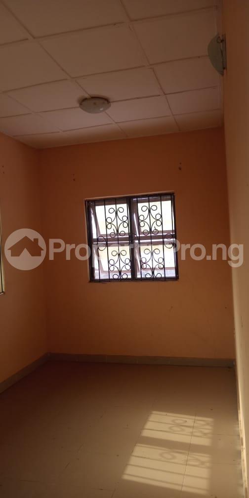 6 bedroom Flat / Apartment for sale  Olodo beside International Dynamic Centre / Hollicks school Egbeda Oyo - 1
