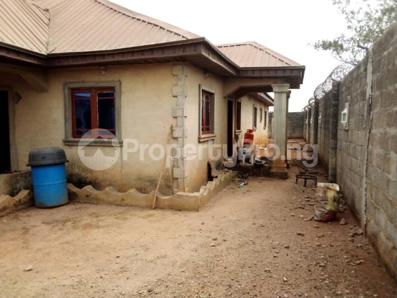 4 bedroom Detached Bungalow House for sale Facing Idiroko Expressway Idiroko Ado Odo/Ota Ogun - 9
