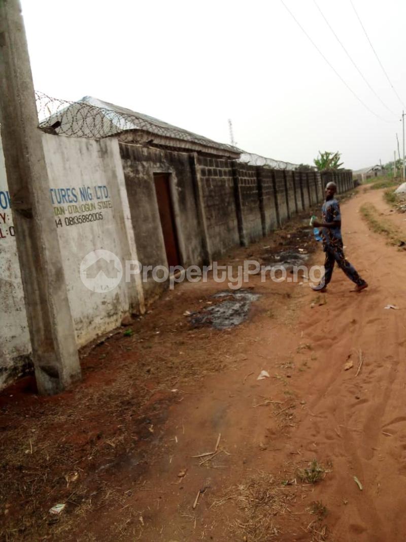 4 bedroom Detached Bungalow House for sale Facing Idiroko Expressway Idiroko Ado Odo/Ota Ogun - 12