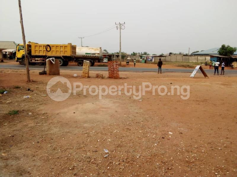 4 bedroom Detached Bungalow House for sale Facing Idiroko Expressway Idiroko Ado Odo/Ota Ogun - 8