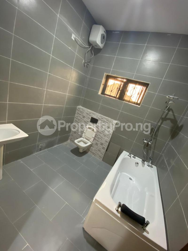4 bedroom Detached Duplex House for sale Lakeview Park Estate Off Orchid Road chevron Lekki Lagos - 13