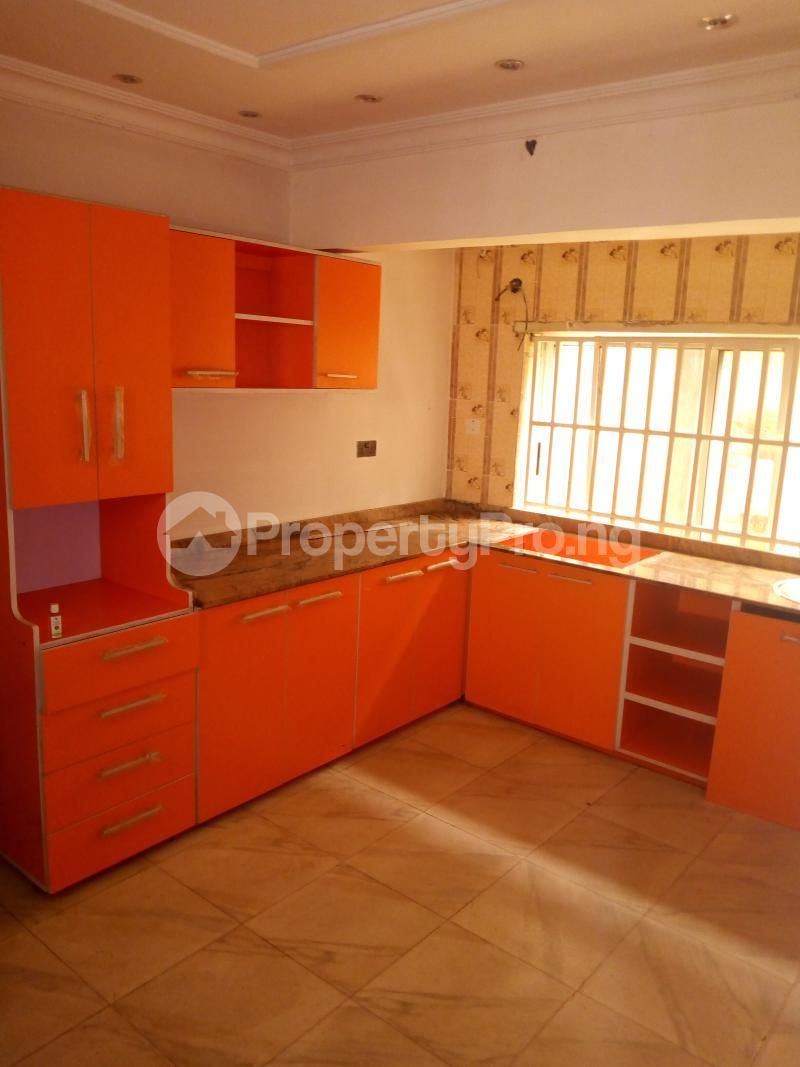 4 bedroom Detached Duplex House for rent brooks Magodo GRA Phase 2 Kosofe/Ikosi Lagos - 13