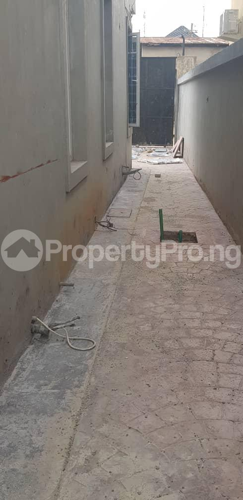 4 bedroom Terraced Bungalow House for sale Extension Omole phase 2 Ojodu Lagos - 13