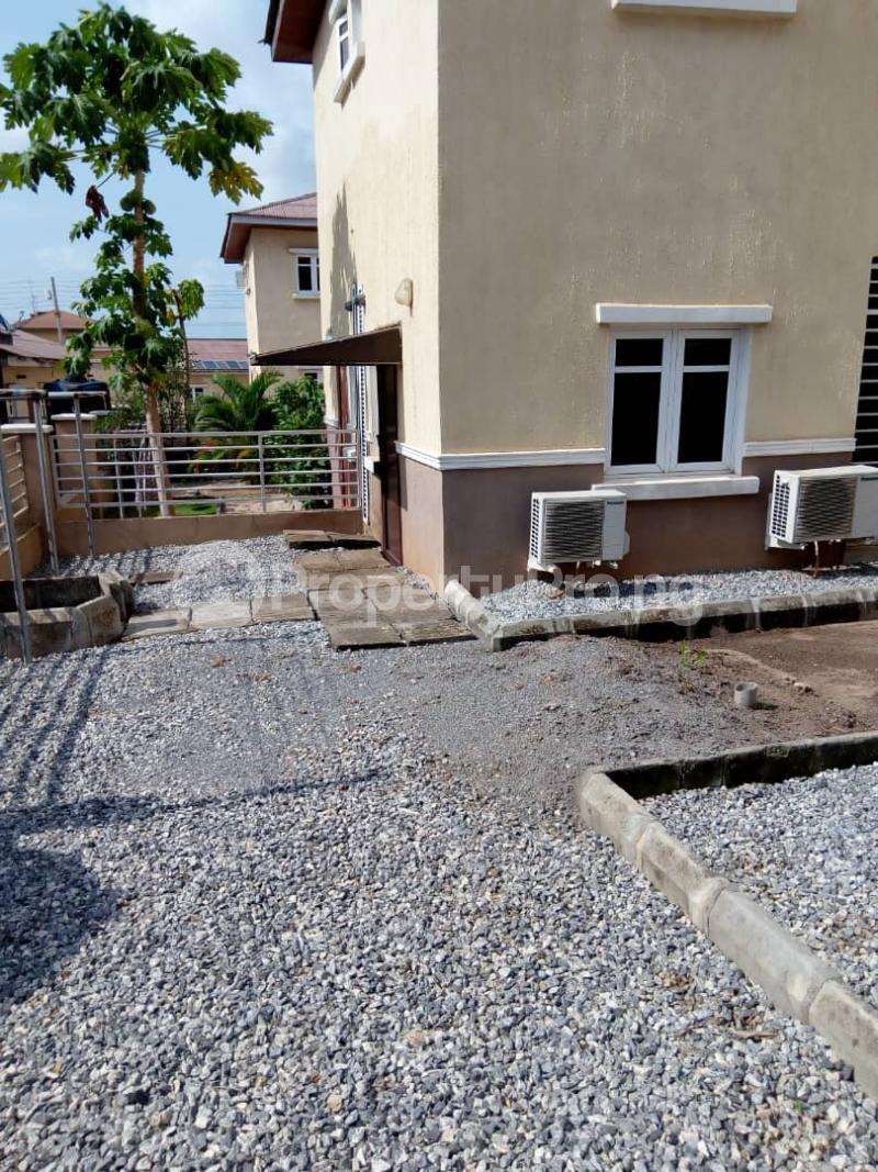 4 bedroom Semi Detached Duplex House for sale HID ESTATE OBASANJO HILLTOP OKEMOSAN ABEOKUTA Oke Mosan Abeokuta Ogun - 17