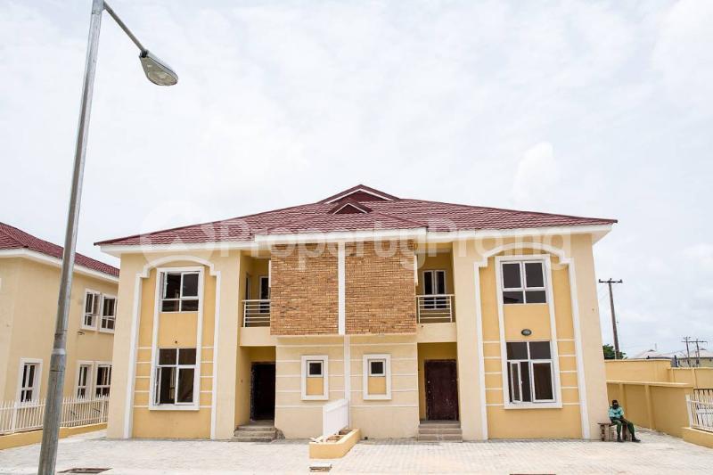 5 bedroom Semi Detached Duplex House for sale Osapa london Lekki Lagos - 6