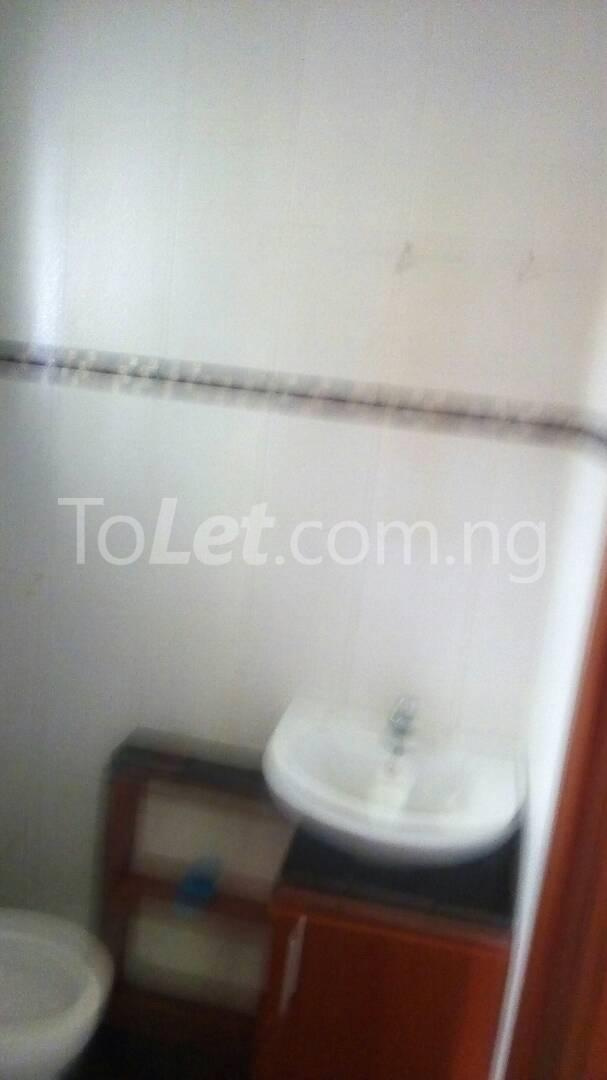 4 bedroom Flat / Apartment for sale Ilupeju Mushin Lagos - 8