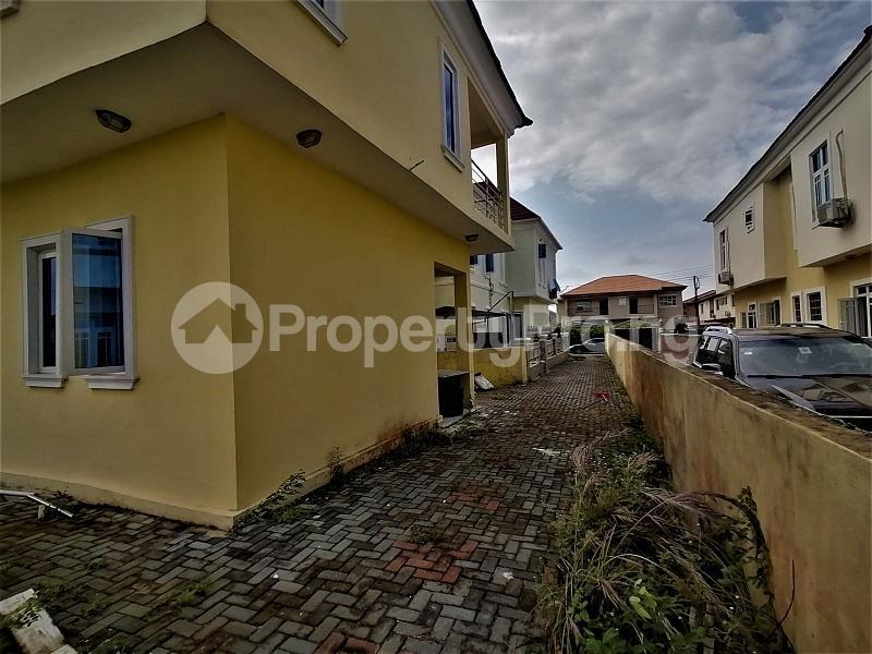 4 bedroom Detached Duplex for sale Crown Estate, After The Shoprite Sangotedo Sangotedo Lagos - 15