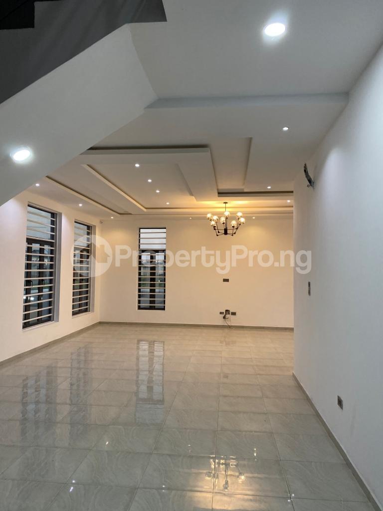 4 bedroom Detached Duplex House for sale Lakeview Estate chevron Lekki Lagos - 17