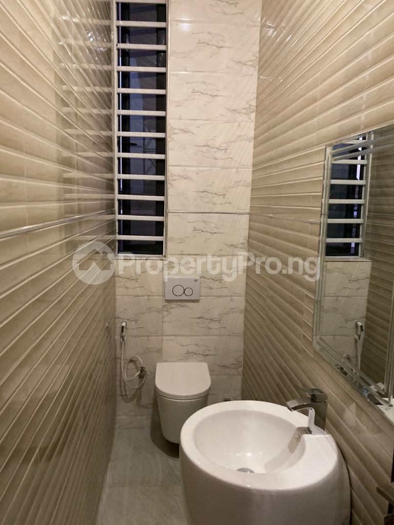 4 bedroom Detached Duplex House for sale Lakeview Estate chevron Lekki Lagos - 5