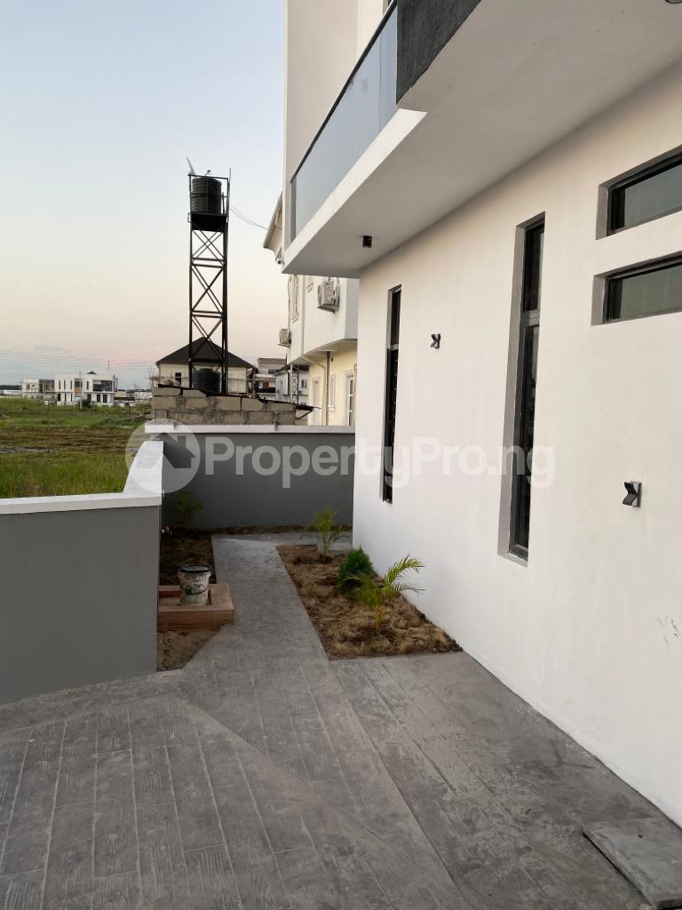 4 bedroom Detached Duplex House for sale Lakeview Estate chevron Lekki Lagos - 18