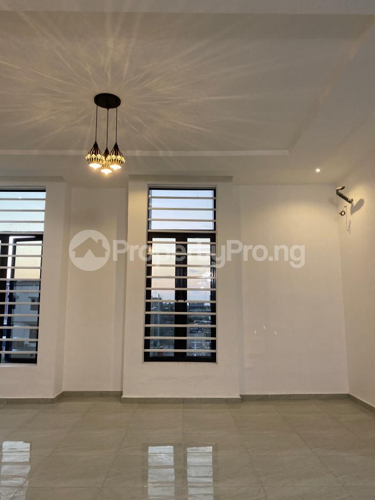 4 bedroom Detached Duplex House for sale Lakeview Estate chevron Lekki Lagos - 11
