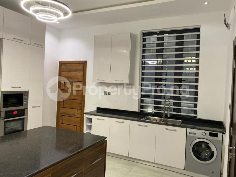 4 bedroom Detached Duplex House for sale Lakeview Estate chevron Lekki Lagos - 13