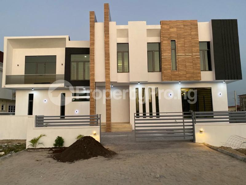 4 bedroom Detached Duplex House for sale Lakeview Estate chevron Lekki Lagos - 3
