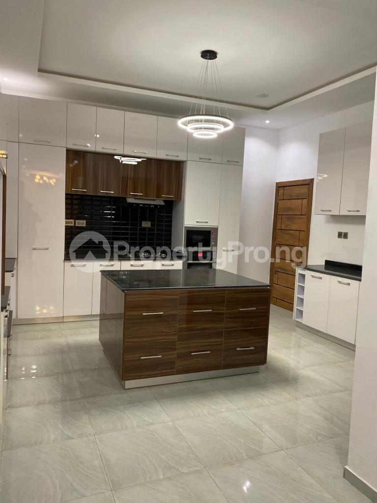 4 bedroom Detached Duplex House for sale Lakeview Estate chevron Lekki Lagos - 15