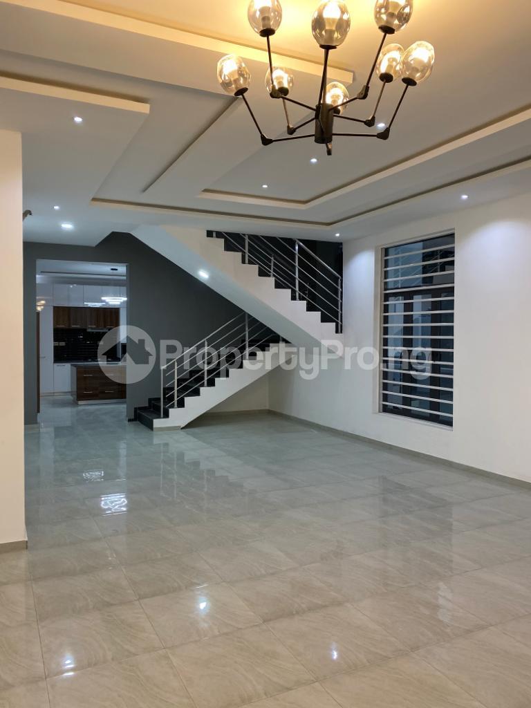 4 bedroom Detached Duplex House for sale Lakeview Estate chevron Lekki Lagos - 16