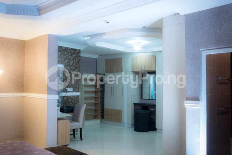 4 bedroom Semi Detached Duplex for sale Jacobs Mews Estate Adekunle Yaba Lagos - 3