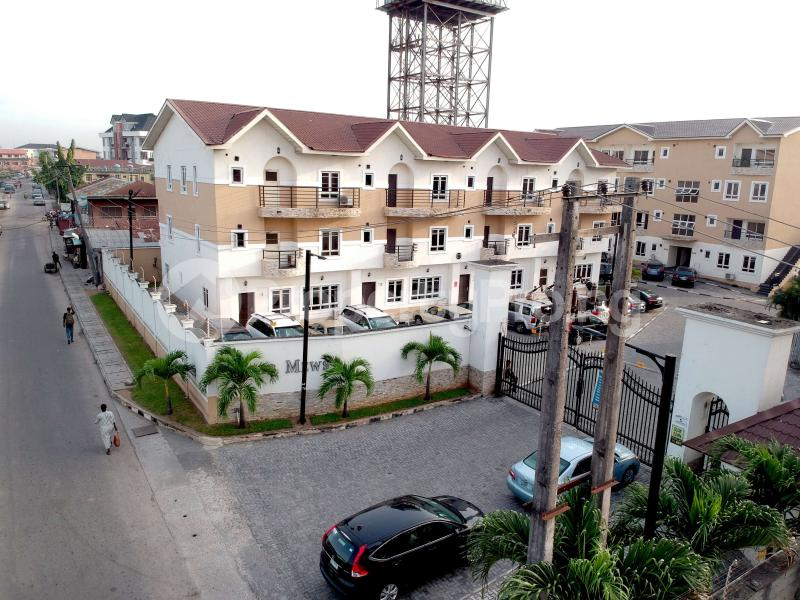 4 bedroom Semi Detached Duplex for sale Jacobs Mews Estate Adekunle Yaba Lagos - 9