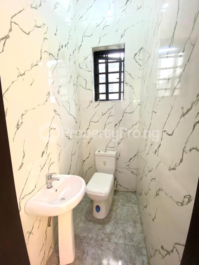 4 bedroom Semi Detached Duplex for sale Second Toll Gate chevron Lekki Lagos - 0