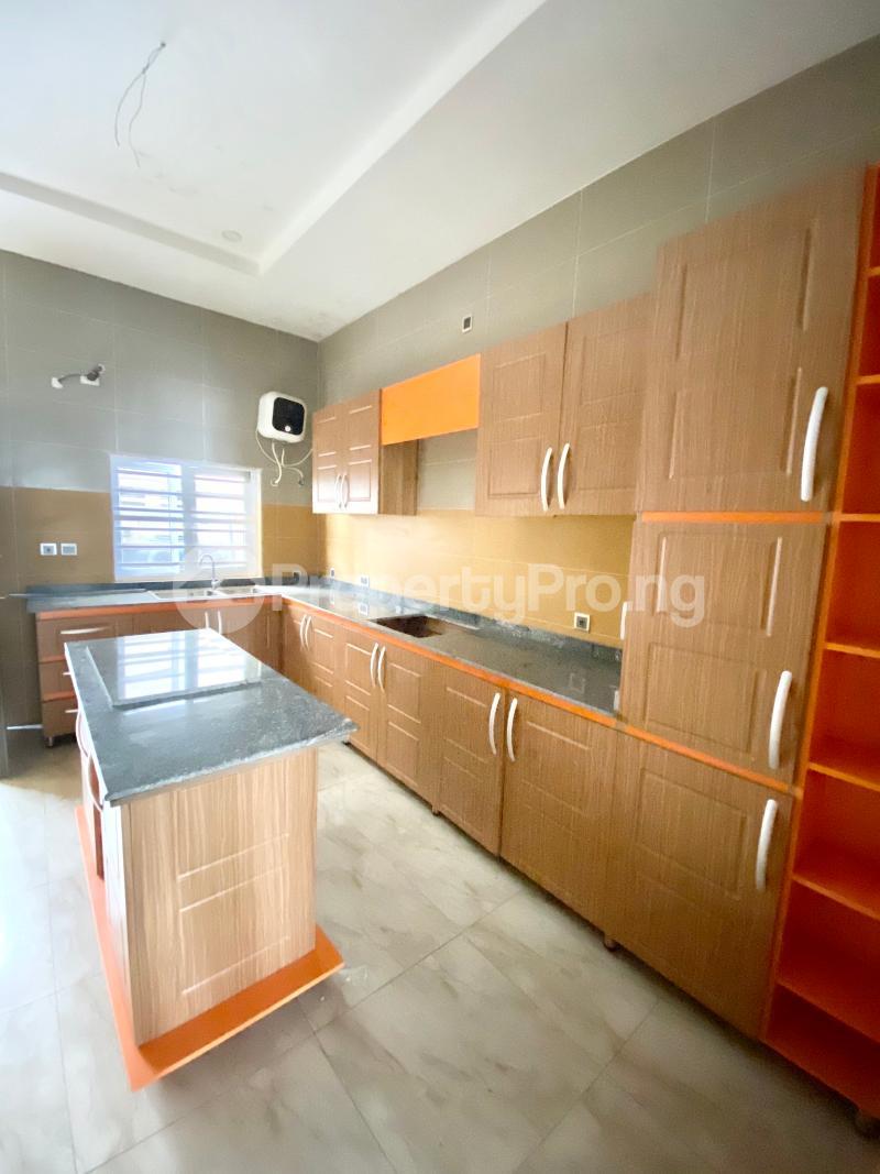 4 bedroom Semi Detached Duplex House for sale Ologolo Lekki Lagos - 4