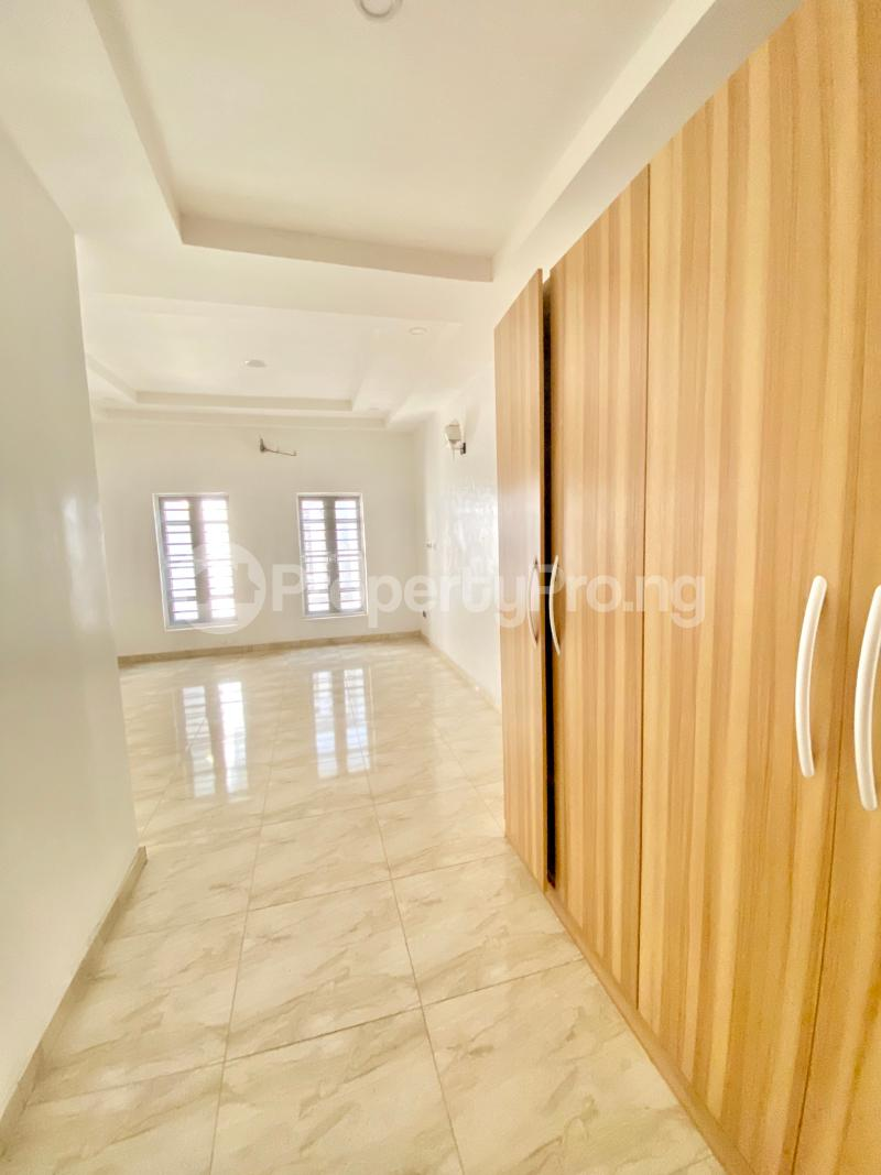 4 bedroom Semi Detached Duplex House for sale Ologolo Lekki Lagos - 12