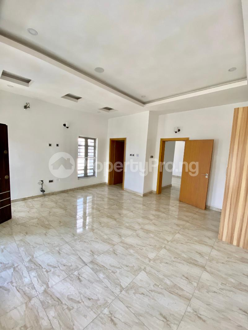 4 bedroom Semi Detached Duplex House for sale Ologolo Lekki Lagos - 8
