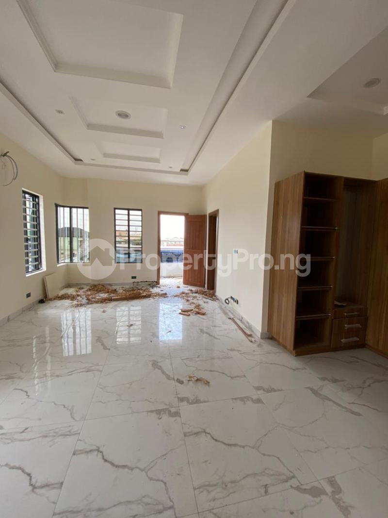4 bedroom Semi Detached Duplex House for sale Jakande Lekki Lagos - 10