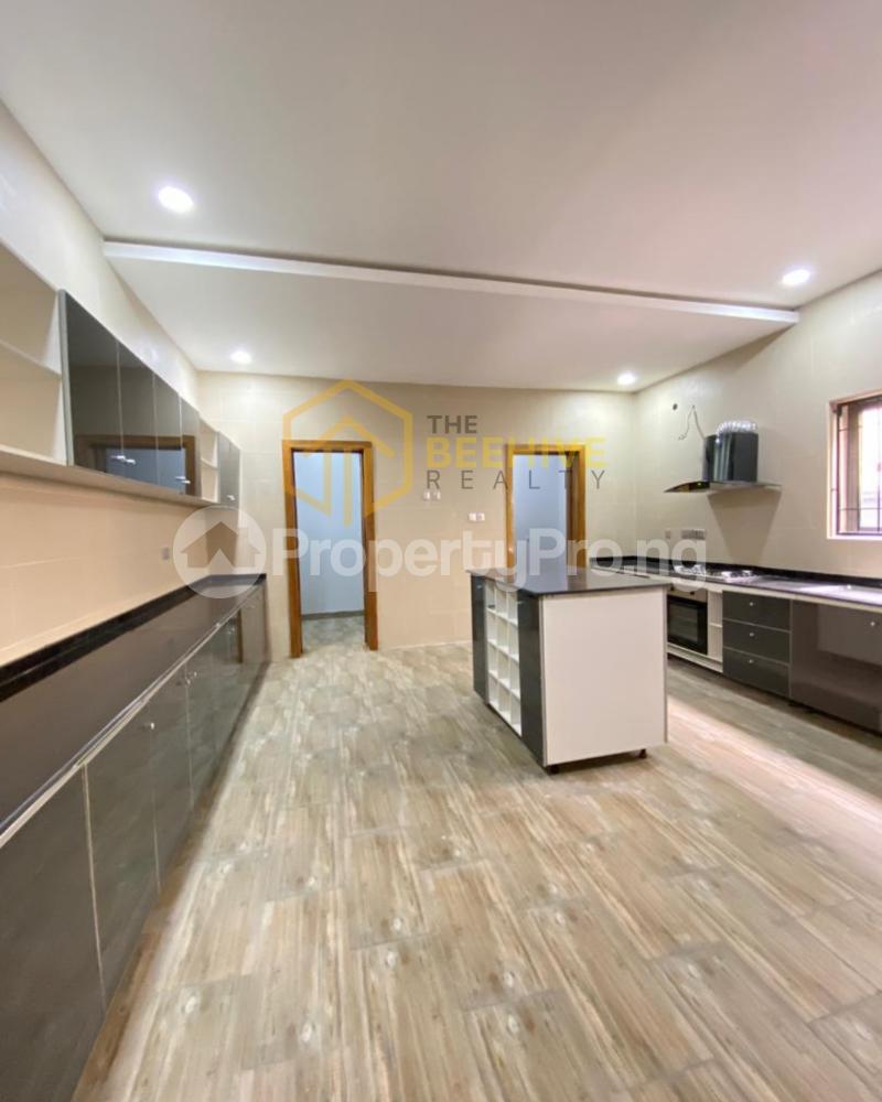 4 bedroom Semi Detached Duplex for sale Lekki Phase 1 Lekki Lagos - 4