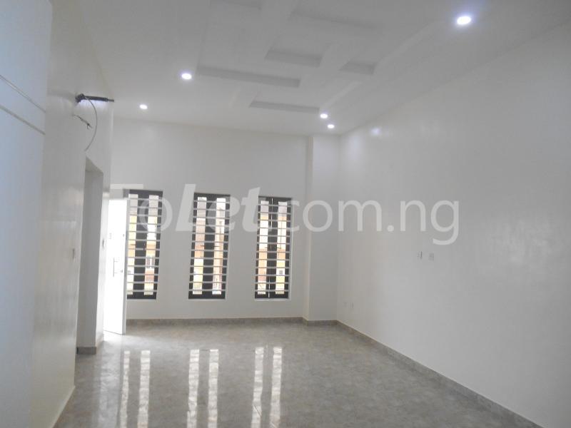4 bedroom House for sale White Oak Estate, Ologolo Lekki Lagos - 14