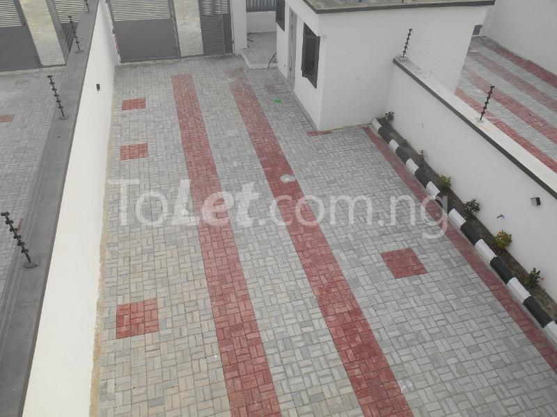 4 bedroom House for sale White Oak Estate, Ologolo Lekki Lagos - 17
