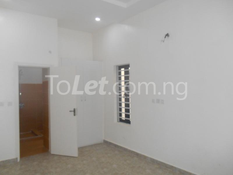 4 bedroom House for sale White Oak Estate, Ologolo Lekki Lagos - 19