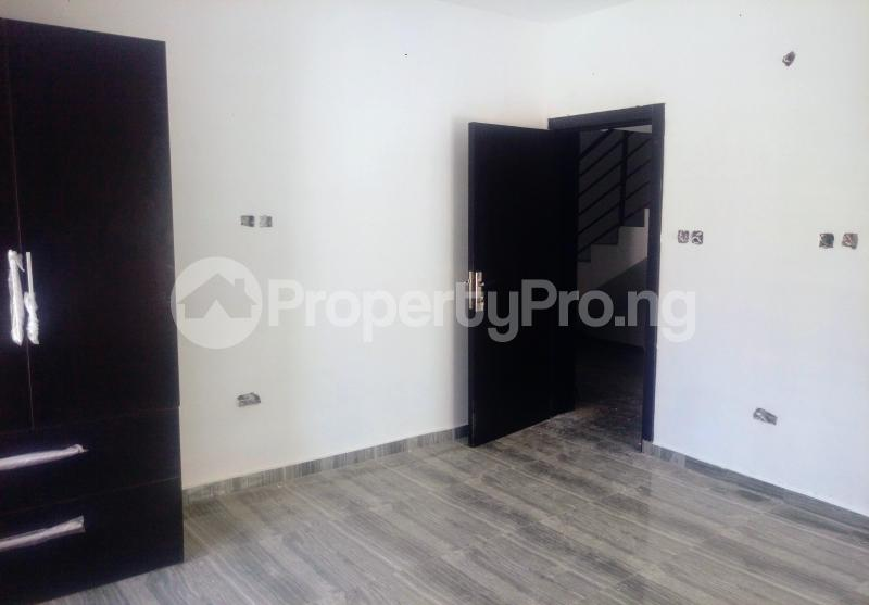 4 bedroom Semi Detached Bungalow House for sale Pearl Gardens Estate Monastery road Sangotedo Lagos - 7