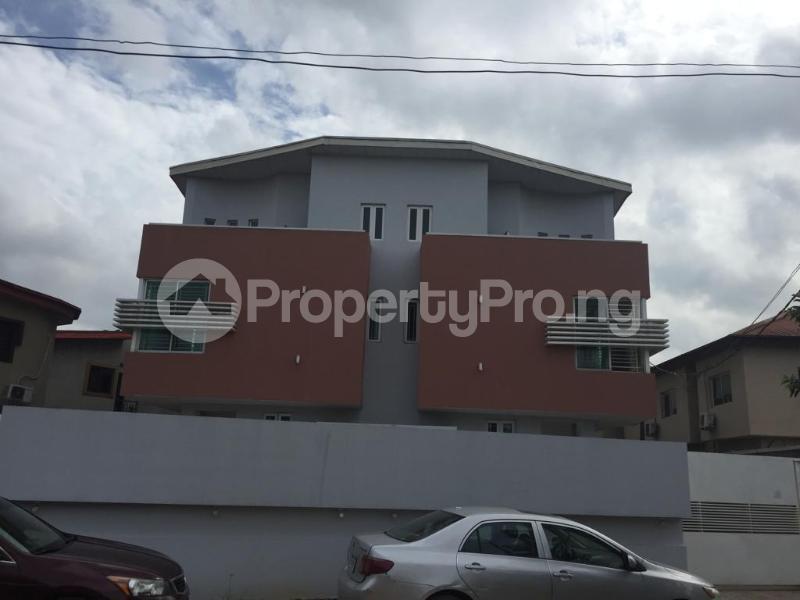 4 bedroom Terraced Duplex for shortlet Ojo Oniyun Close, Magodo Gra Phase 2, Shangisha, Lagos Magodo GRA Phase 2 Kosofe/Ikosi Lagos - 0