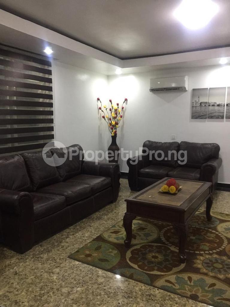 4 bedroom Terraced Duplex for shortlet Ojo Oniyun Close, Magodo Gra Phase 2, Shangisha, Lagos Magodo GRA Phase 2 Kosofe/Ikosi Lagos - 4