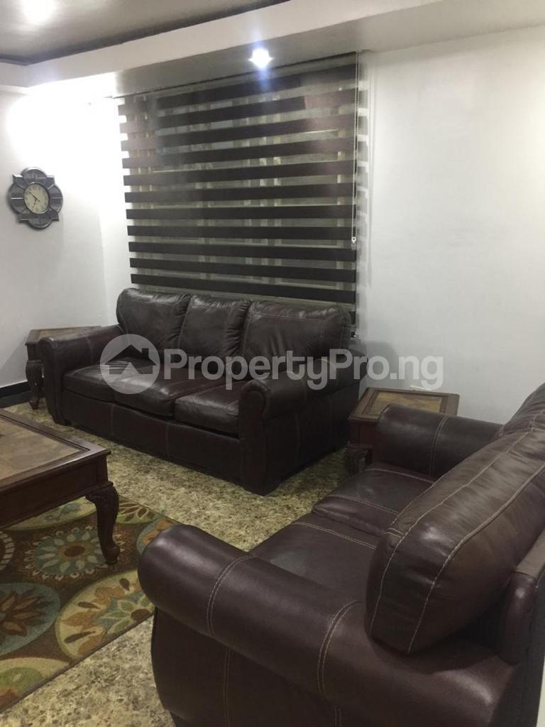 4 bedroom Terraced Duplex for shortlet Ojo Oniyun Close, Magodo Gra Phase 2, Shangisha, Lagos Magodo GRA Phase 2 Kosofe/Ikosi Lagos - 6