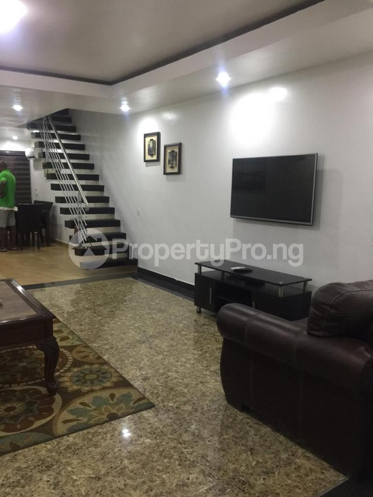 4 bedroom Terraced Duplex for shortlet Ojo Oniyun Close, Magodo Gra Phase 2, Shangisha, Lagos Magodo GRA Phase 2 Kosofe/Ikosi Lagos - 3