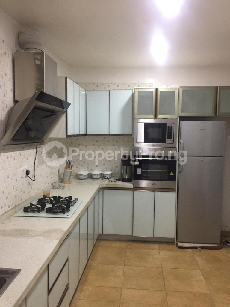 4 bedroom Terraced Duplex for shortlet Ojo Oniyun Close, Magodo Gra Phase 2, Shangisha, Lagos Magodo GRA Phase 2 Kosofe/Ikosi Lagos - 5