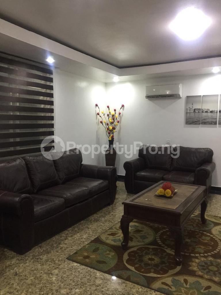 4 bedroom Terraced Duplex for shortlet Ojo Oniyun Close, Magodo Gra Phase 2, Shangisha, Lagos Magodo GRA Phase 2 Kosofe/Ikosi Lagos - 2