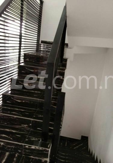5 bedroom House for sale alternative road   chevron Lekki Lagos - 4