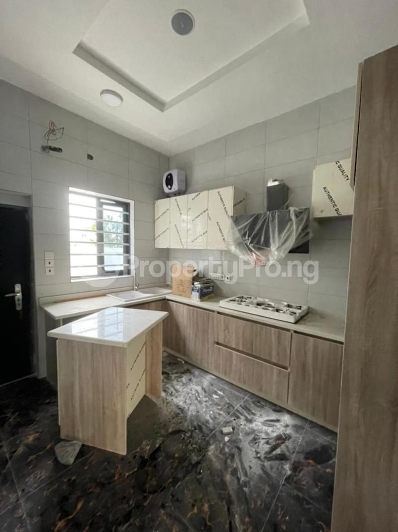 4 bedroom Terraced Duplex for sale Ologolo Lekki Lagos - 11